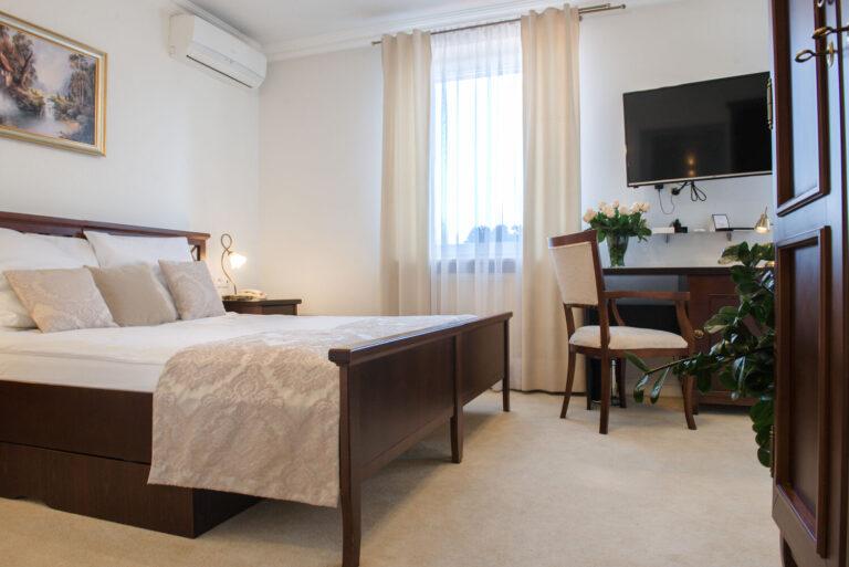 pokój dwuosobowy hotel koloseum
