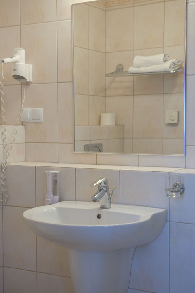 łazienka w pokoju dla 3 osób koloseum