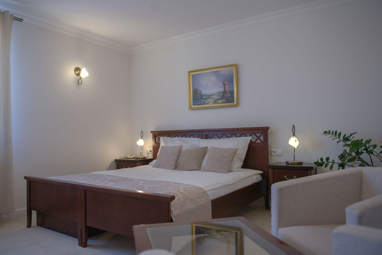 pokój trzyosobowy koloseum turek